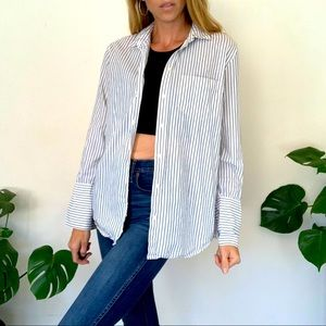 Madewell M White and Navy Button Up Shirt